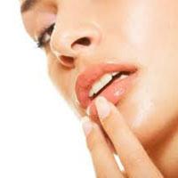 Sposoby na spierzchnięte i popękane usta